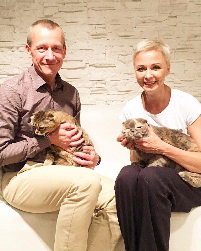 Дарья Повереннова, Андрей Шаронов и кошки Буся и Ива
