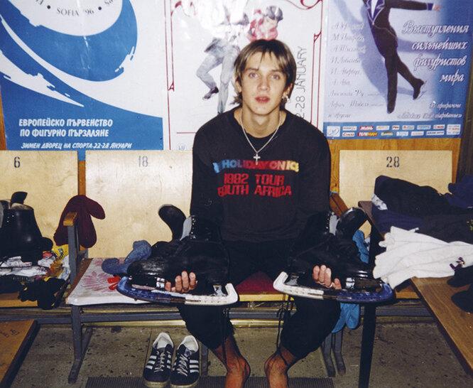 Дворец спорта СКА, Санкт-Петербург, раздевалка. 2001 год
