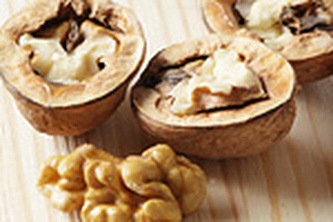 Грецкие орехи защитят отрака груди