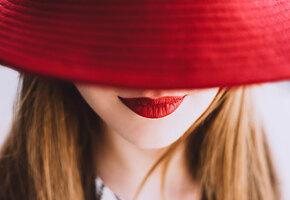 Время для поцелуев: 7 самых ярких помад на лето