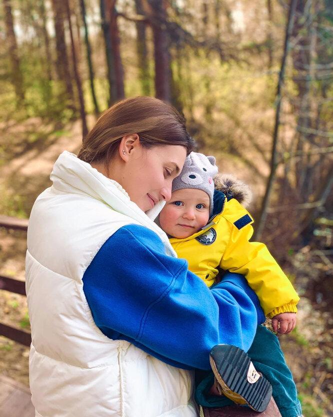 Регина Тодоренкос с сыном