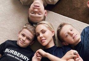 И даже мальчишки с розовыми волосами! Многодетная мама Мария Погребняк подняла настроение всей семье