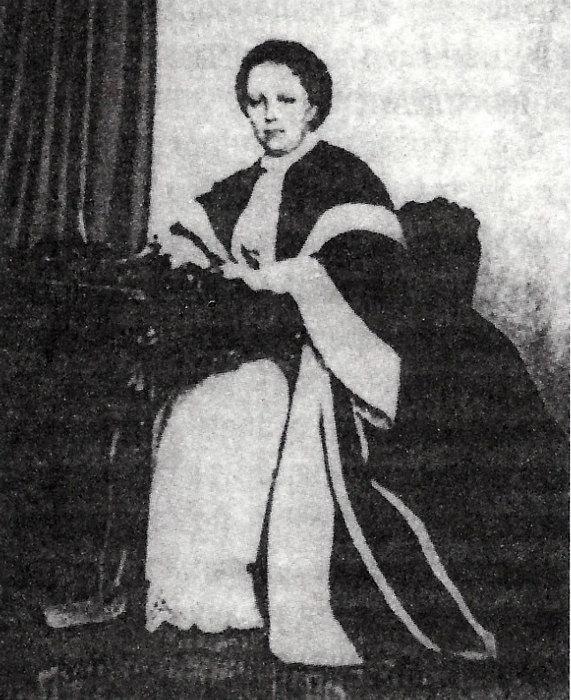 Графиня Лидия Арсеньевна Нессельроде. Фотография 1850-х годов. (Репродукция изкниги Б.Носика