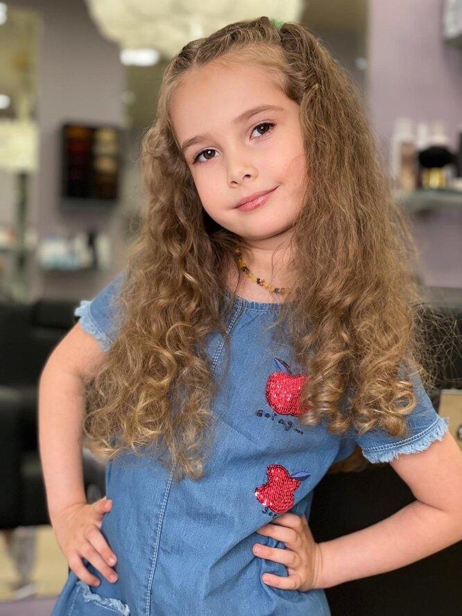 Дочери Виктории Талышинской скоро исполнится пять лет. Варвара растет красоткой в маму