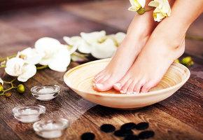 Почему появляется запах от ног? И как от него избавиться?