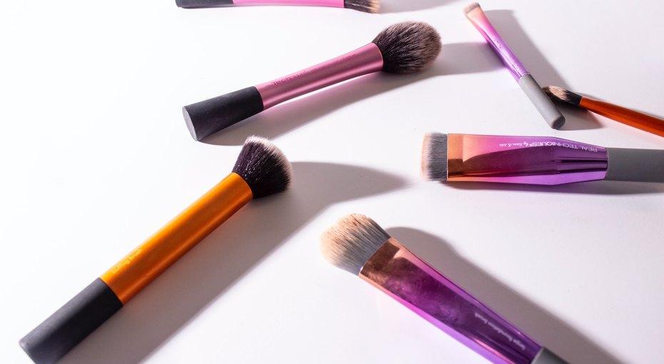 Помыть, очистить, протереть: как ухаживать закосметикой ибьюти-инструментами накарантине