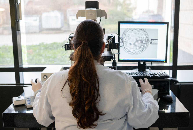 """Люди с мутацией """"особого"""" гена не могут заразиться коронавирусом"""