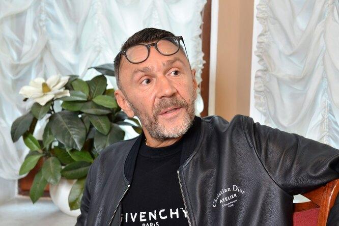Внезапно: 45-летний Сергей Шнуров появился наобложке российского Playboy