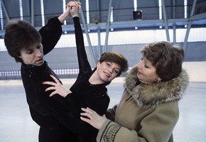 «Рыжая бестия льда»: Надежда Бабкина показала фото с Натальей Бестемьяновой с 60-летнего юбилея знаменитой фигуристки