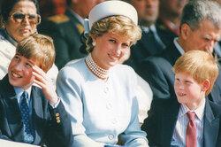 Все напоминает мне оней: как принцесса Диана воспитывала своих мальчиков
