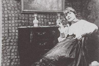 Как прославилась художница, рисуя женщину втеле своего мужа: Герда Вегенер