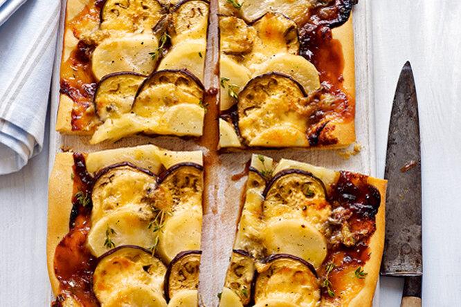 """""""Ленивый"""" пирог с баклажанами и картофелем"""