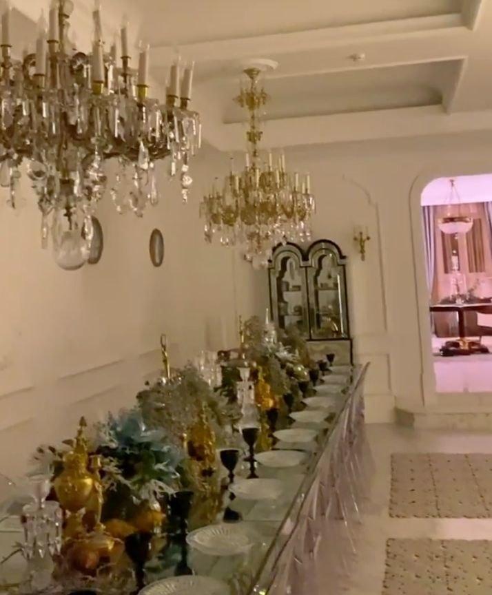 новогодний обеденный стол украшение