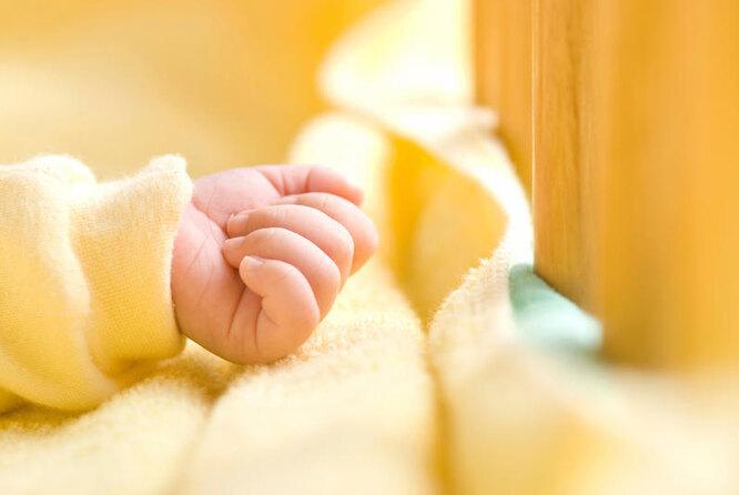рука младенца