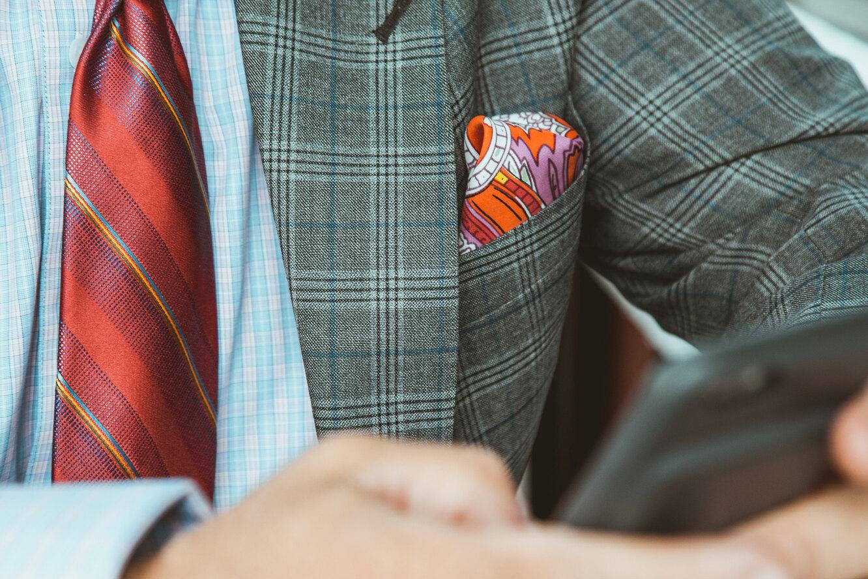 Носовой платок в подарок: приметы и суеверия