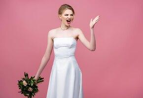 Невеста рассердилась на похудевшую золовку, потребовав надеть мешковатое платье