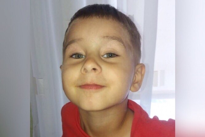 В Омской области вторые сутки ищут 3-летнего мальчика. Поисковикам нехватает оборудования
