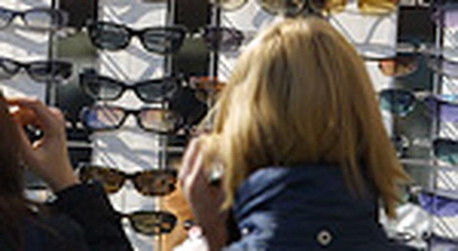 Дешевые солнечные очки могут навредить