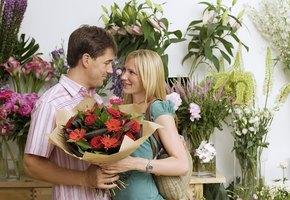 Вечный конфетно-букетный период: почему мужчины не стремятся к серьезным отношениям