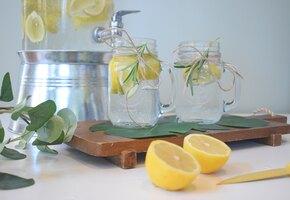 7 полезных свойств воды с лимоном по мнению диетологов