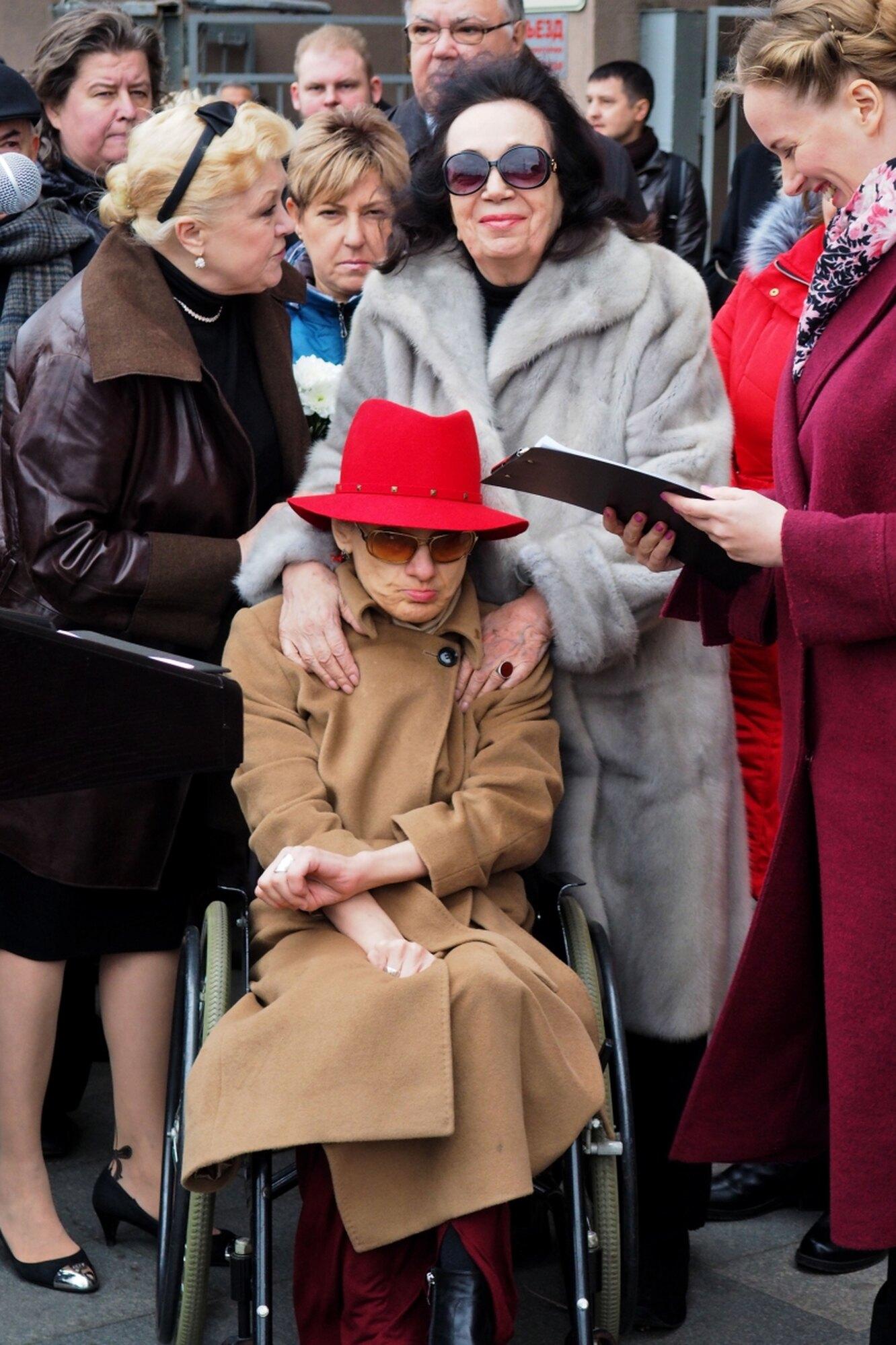 Дочь и вдова Алексея Баталова