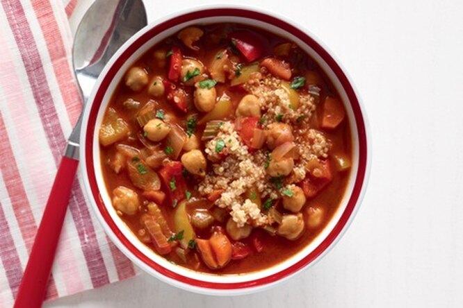 Овощной суп с нутом и киноа