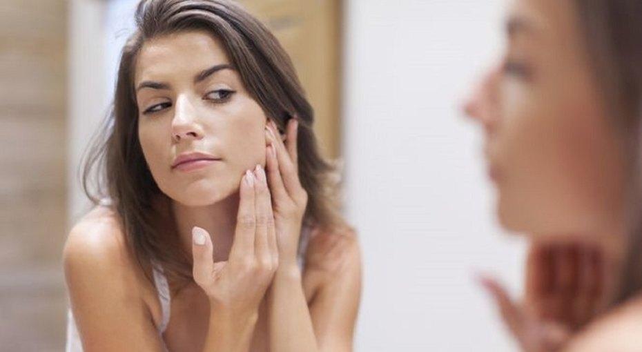 6 привычек, которые старят кожу сильнее, чем курение