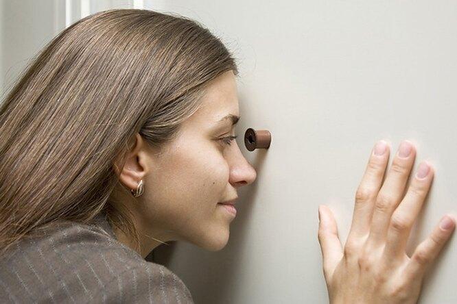 Женщины стале чаще разоблачать мужей черезинтернет
