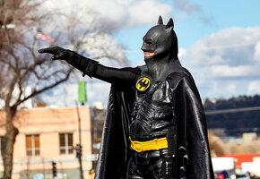 Законы с приветом: что запрещают жителям разных стран (например, костюм Бэтмена)