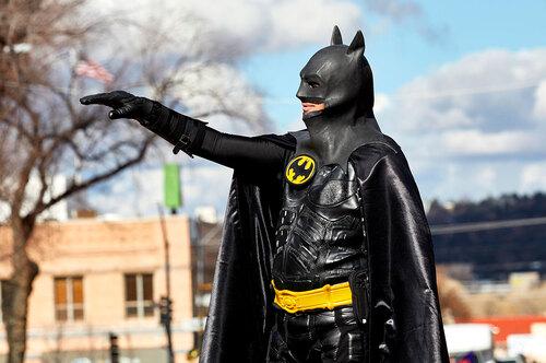 Законы сприветом: что запрещают жителям разных стран (например, костюм Бэтмена)
