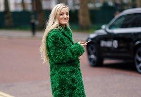 Мода на цветной мех: что выбирают знаменитости