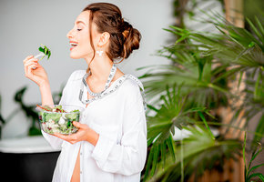 7 продуктов, которые стоит есть в молодости, чтобы сохранить ясный ум в старости