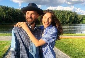 «Седьмой месяц»: беременная жена Владимира Кристовского выложила фото в нижнем белье