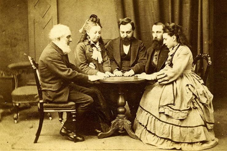 Спиритический сеанс XIX века