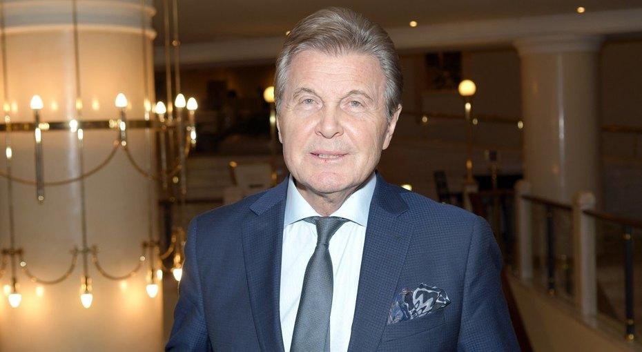 «На кислороде»: 78-летний Лев Лещенко переведен вреанимацию