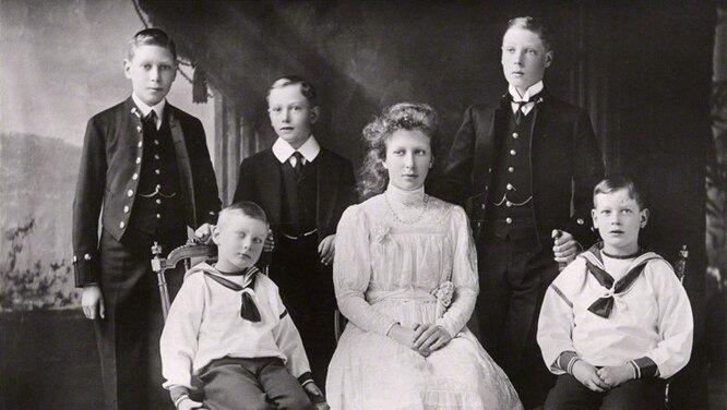 Принц Джон Кентский. История пятого сына короля Георга V