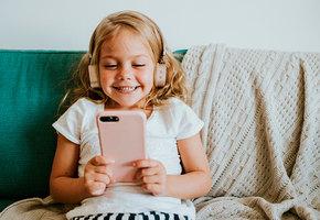 Семилетняя девочка спасла маме жизнь благодаря роликам на YouTube