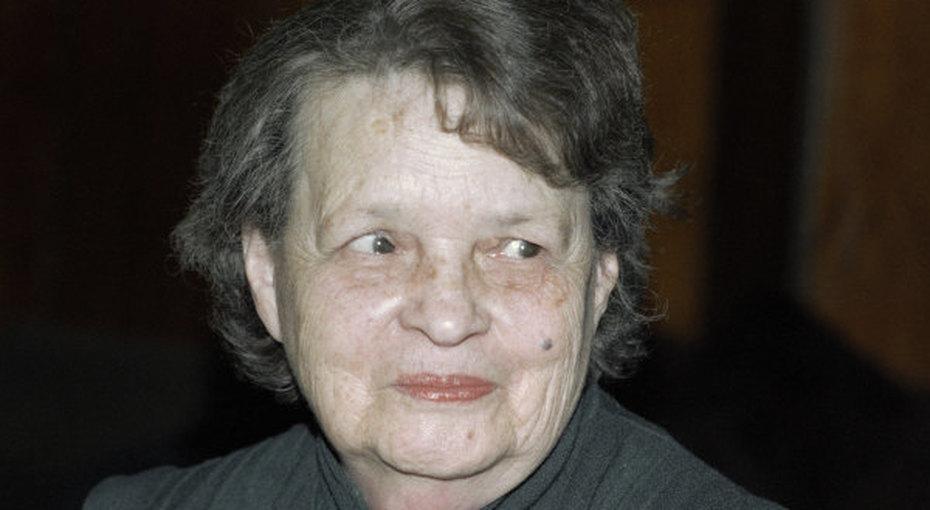 Благословите женщину Елену, или Как пионерка советского программирования оказалась ещё иписательницей
