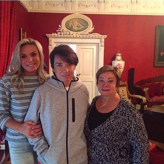 Валентин Юдашкин с женой и мамой