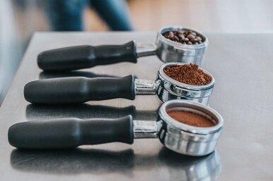 Не выбрасывайте кофейную гущу: 7 неожиданных способов применения спитого кофе