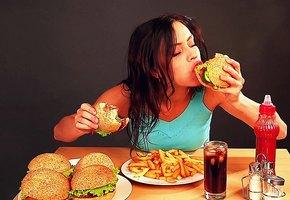 Привычная пряность поможет есть «вредную» еду и не толстеть