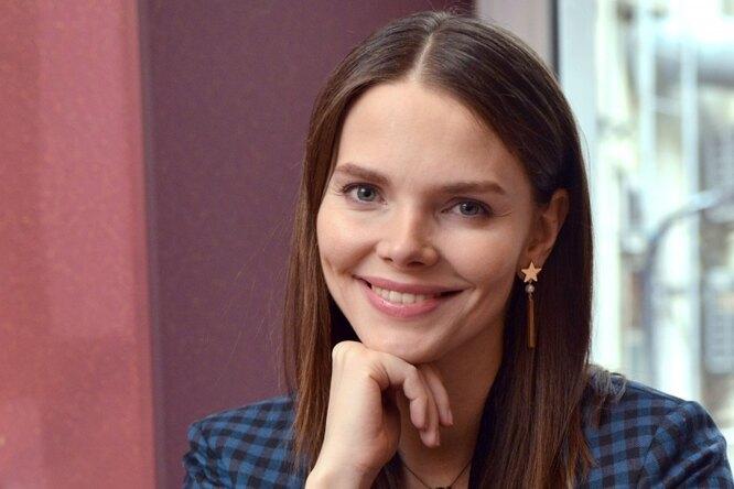 «Я люблю свою работу»: Елизавета Боярская поделилась сподписчиками грустным селфи
