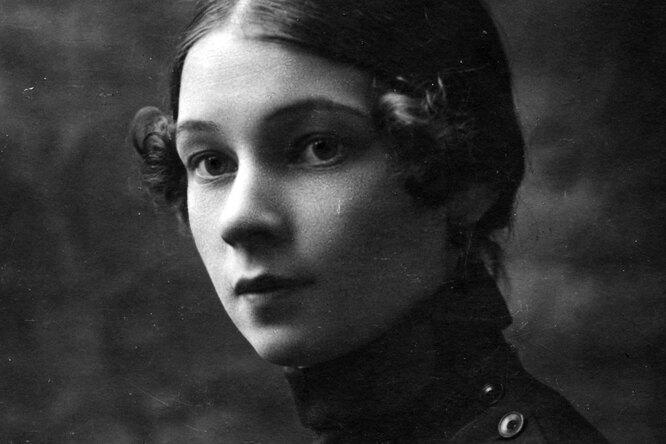 Лидия Будогоская: как рыжая девочка выросла втётю-писательницу исмогла жить, ничего незная остране вокруг