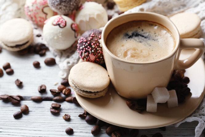 Вредный напиток: сколько кофеина могут потреблять дети иподростки
