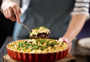 Простой и вкусный рецепт для новогодних каникул: «Пастуший пирог с говядиной»