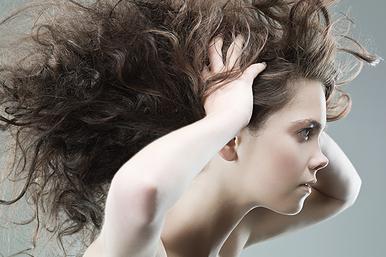 Когда пришло время лечить: 10 признаков нездоровых волос