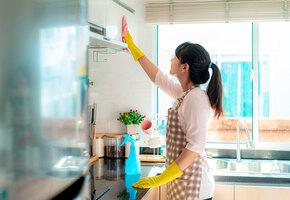 Как и чем отмывать кухонные шкафы: 7 лайфхаков
