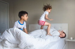 Эти фотографии доказывают: материнство — круглосуточная работа безвыходных
