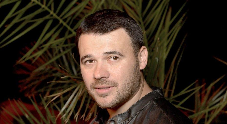 «Вы так похожи нанее»: Эмин Агаларов выложил нежное фото сбабушкой