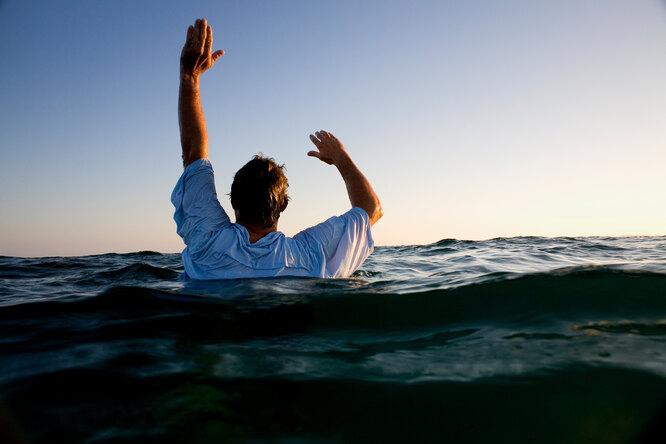 Если уносит море: как спастись человеку, попавшему вотбойное течение